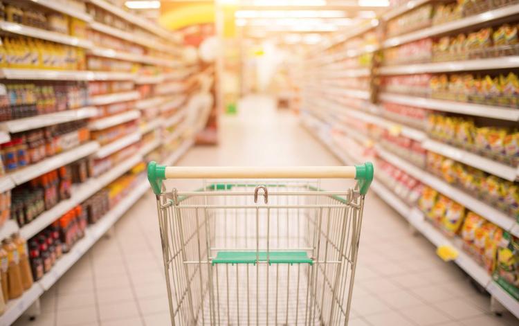 Vigilância Sanitária dá dicas para a população na hora de comprar produtos