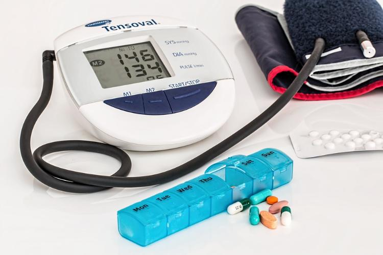 Adoção de medidas para medicamentos para pressão alta